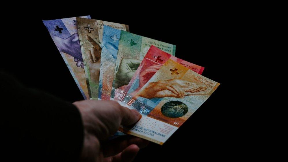 En Suisse, plus de 760 affaires pénales pour un montant total de près de 110 millions de francs sont traitées actuellement par la justice au sujet d'infractions présumées aux prêts Covid.