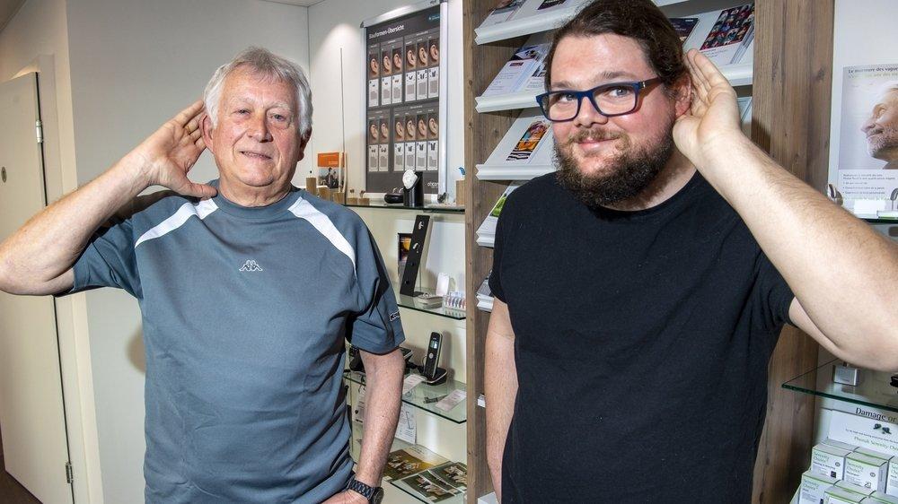 Freddy Berger (73 ans) et Vincent Aymon (31 ans) ne pourraient plus se passer de leur appareil auditif qui leur apporte une belle qualité de vie.