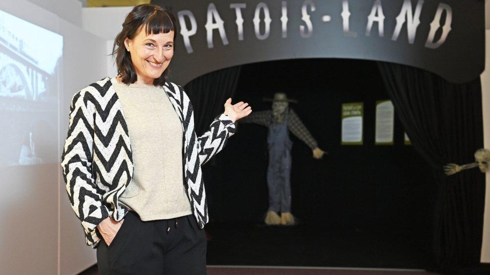 """La directrice de la Médiathèque Valais-Martigny Sylvie Délèze invite le public à entrer dans les méandres de """"Patois-Land"""", une exposition pas tout à fait comme les autres."""