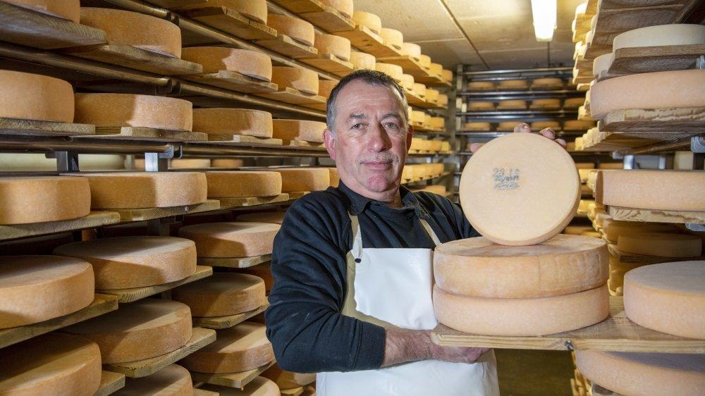 Jean-Michel Fardel, président des laiteries réunies Arbaz-Ayent-Grimisuat et producteur de lait, travaille sur place depuis de nombreuses années.
