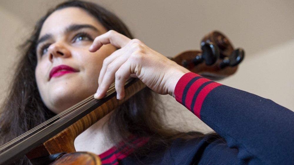 A côté de son combat politique, Estelle Revaz continue à travailler son instrument six à sept heures par jour en vue d'un nouvel album.