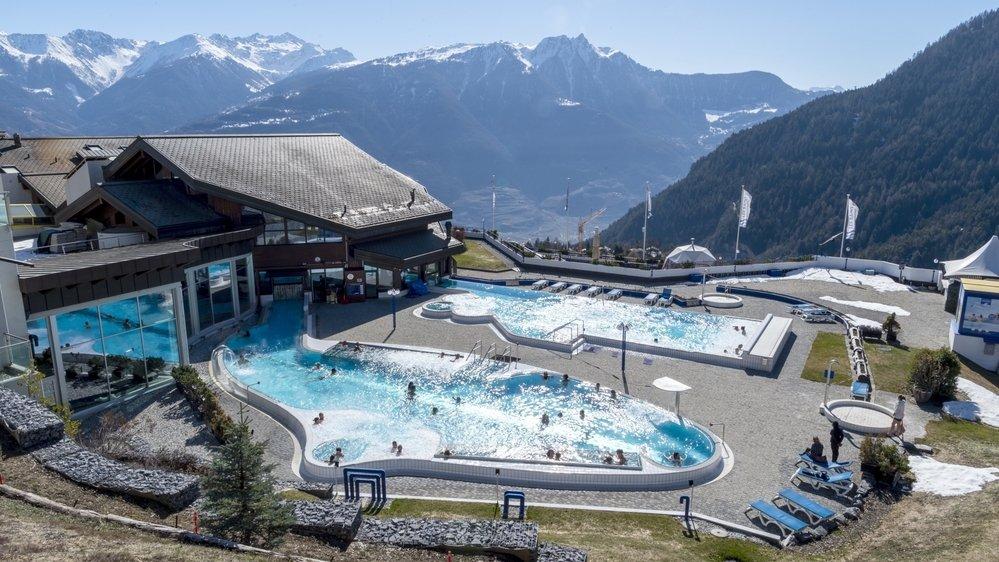 Les bains thermaux peuvent ouvrir leurs bassins extérieurs au public depuis le 1er mars.