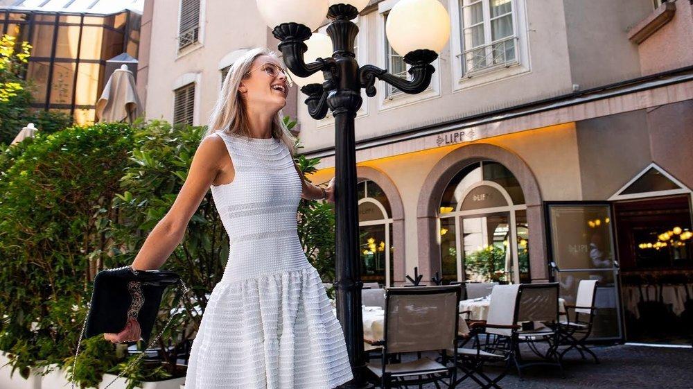 Louer en ligne une robe de soirée, c'est possible.