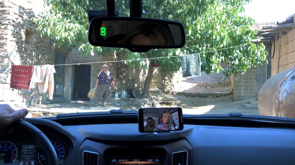Jafar Panahi est de retour avec avec un court-métrage tourné discrètement avec des téléphones portables. Saisissant...