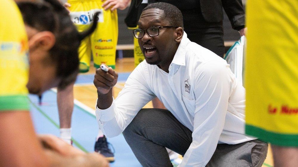 Le coach des Montheysans, Patrick Pembele attend une réaction collective de ses joueurs.