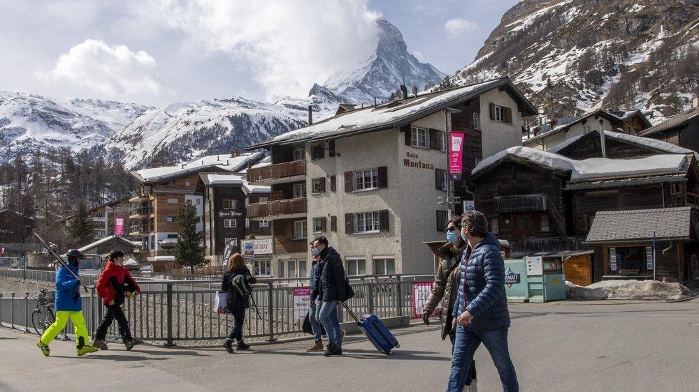 A Zermatt, le masque est obligatoire dans les rues de la station.
