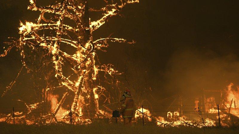 Australie: les feux ont projeté dans la stratosphère autant de fumée qu'une éruption volcanique