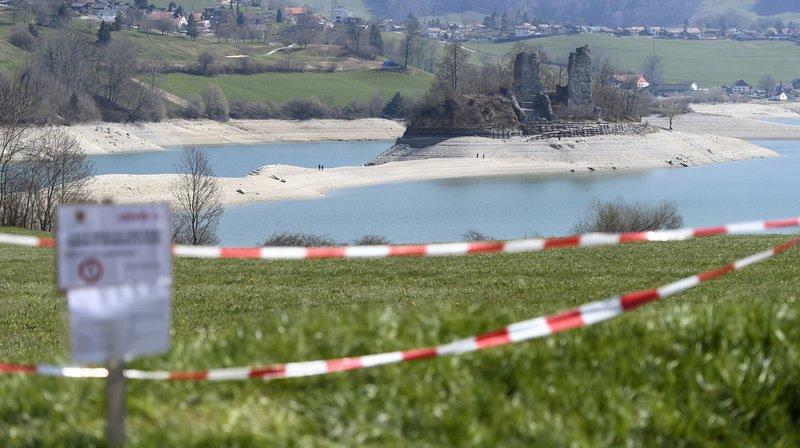 Coronavirus: près de 120 jeunes fêtards évacués d'une maison louée dans le canton de Fribourg