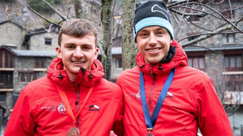Julien Ançay et Léo Besson participent au feu d'artifice final suisse aux Mondiaux de ski-alpinisme