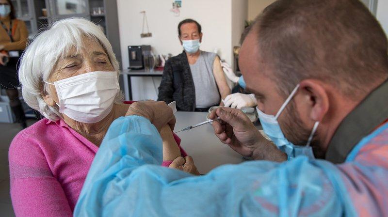 Coronavirus: pour Swissmedic, les effets secondaires des vaccins restent limités