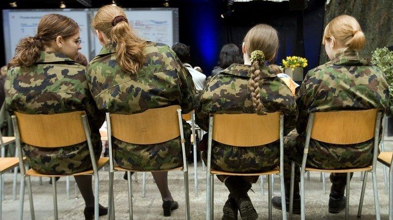 Temps partiel, locaux adaptés, formation au sexisme, voici le plan pour plus de femmes à l'armée