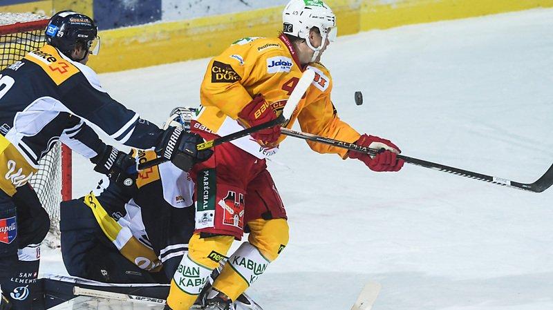 Pas de play-off cette année pour Flavio Schmutz (à droite) et Langnau.