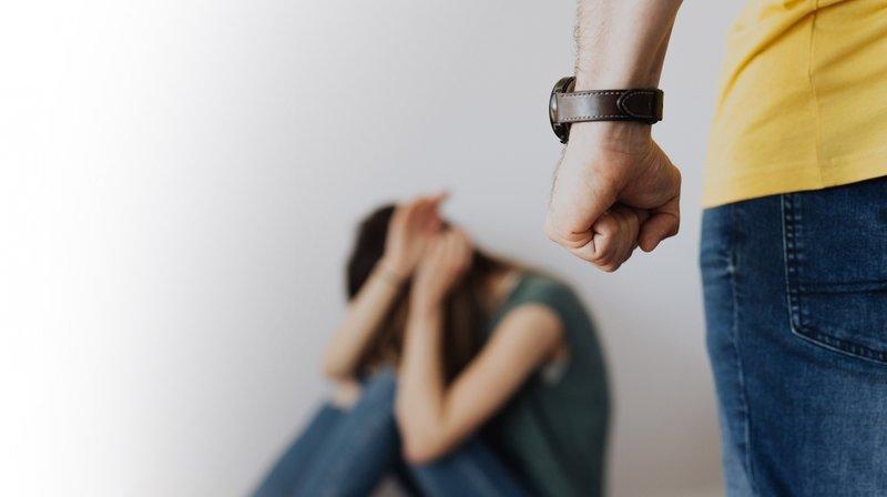 Les violences domestiques nécessitent une intervention de la police par jour en Valais.