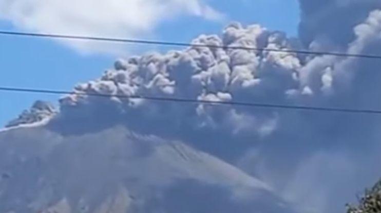 Violente éruption duvolcannicaraguayen San Cristobal