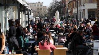 Coronavirus: les bars et restaurants referment ce lundi en Lombardie et dans le Piémont