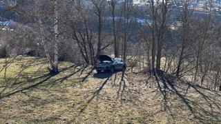 Haut-Valais: un automobiliste décède après une sortie de route