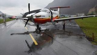 Collision entre un petit avion et… une auto dans le canton de Nidwald