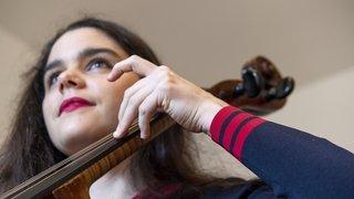 Aides à la culture: la musicienne valaisanne Estelle Revaz mène le combat de sa vie