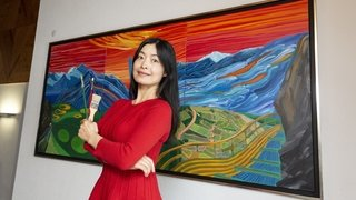 Une fresque signée Yi Chen orne la maison de commune de Lens