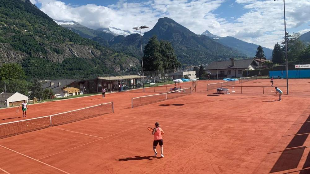 Le tennis occupe la quatrième place dans le canton du Valais en termes de grandeur d'association et de nombre de membres actifs.