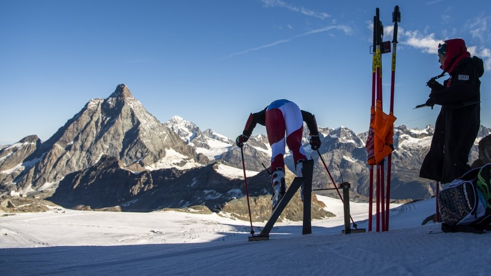 Les skieurs de Coupe du monde ont déjà leurs habitudes à Zermatt durant la préparation estivale.