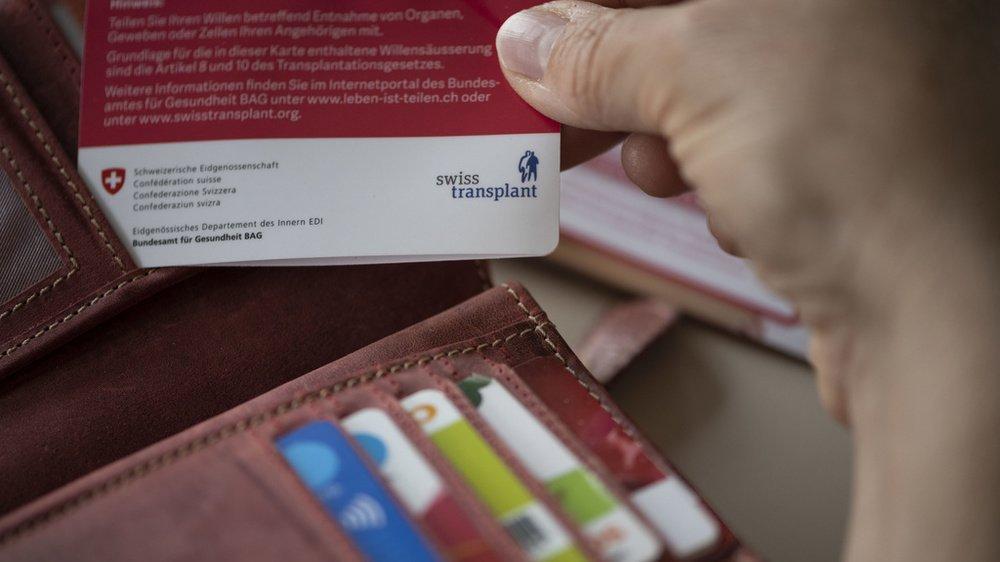 Moins d'un Suisse sur cinq détient une carte de donneur d'organe.