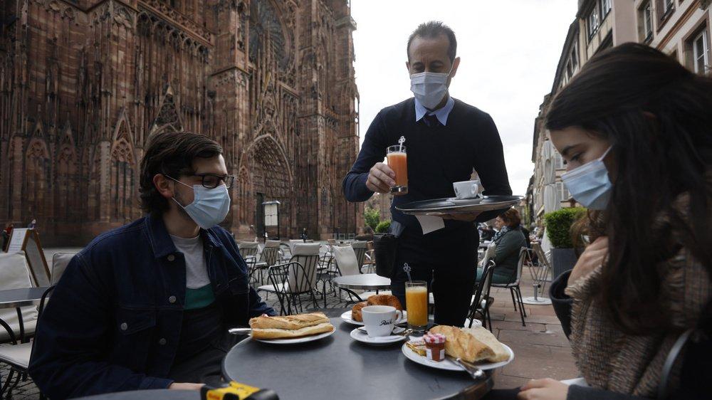 Il est désormais de nouveau possible de consommer sur les terrasses en France.