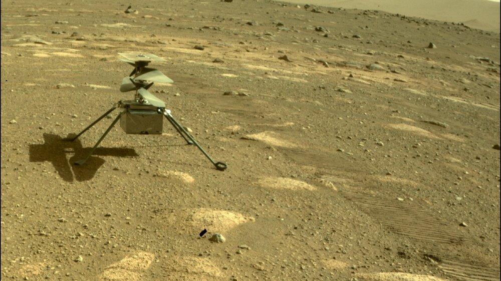 Le mini-hélico Ingenuity sur le sol martien, le 4 avril.