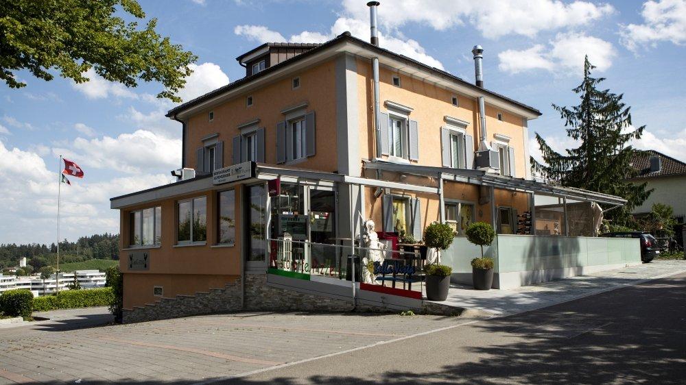 En juillet2020, une opération d'envergure de la police fédérale en lien avec la mafia italienne 'Ndrangheta a eu lieu dans le restaurant Bella Vista à Muri, dans le canton d'Argovie, dans le cadre d'une enquête conjointe avec la police italienne.