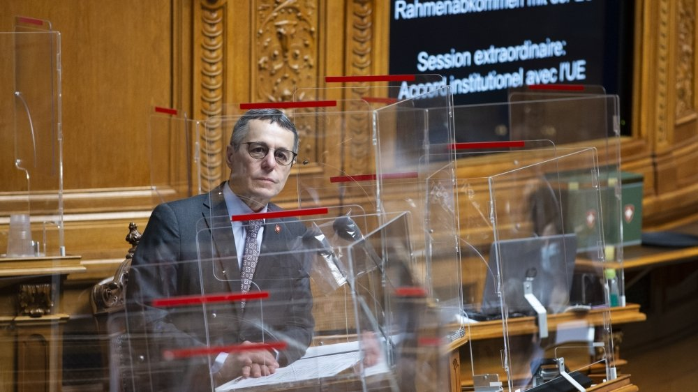 Ignazio Cassis prévoit d'aller à Bruxelles fin avril avec Guy Parmelin pour poursuivre les négociations de l'accord-cadre avec l'Union européenne. On le voit ici en décembre dernier lors du débat au Parlement.