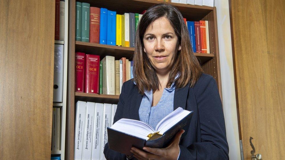 L'avocate et notaire sierroise Carole Melly-Basili préside le Conseil de la magistrature. Elle nous explique à quoi sert ce nouvel organe de surveillance de la justice valaisanne.