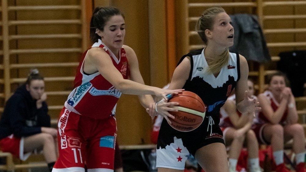 Sion Basket (en noir) et Martigny Basket (en rouge) reprendront la compétition ce week-end. Les espoirs d'Hélios patienteront encore une semaine.