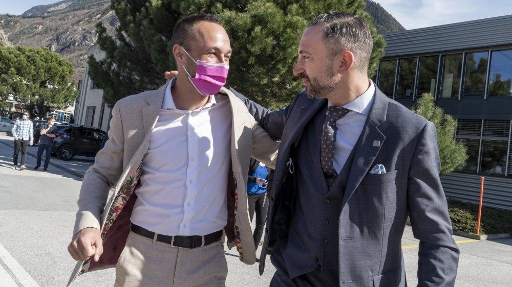 Frédéric Favre et Mathias Reynard se congratulent à leur arrivée au Technopôle de Sierre.
