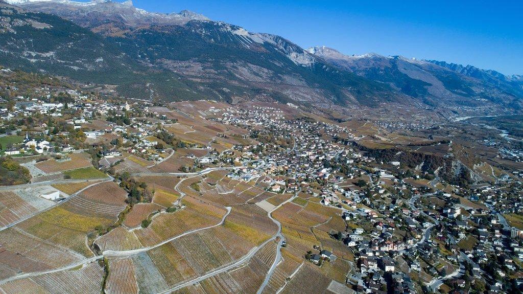 Selon les données établies en 2019 par le canton, la commune de Noble-Contrée possède un surplus théorique de zones à bâtir de 8,1 hectares.