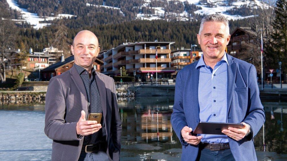 Le directeur de l'Observatoire valaisan du tourisme, Nicolas Délétroz, et celui de l'Office du tourisme de Crans-Montana, Bruno Huggler, ont collaboré avec Swisscom pour développer ce produit.