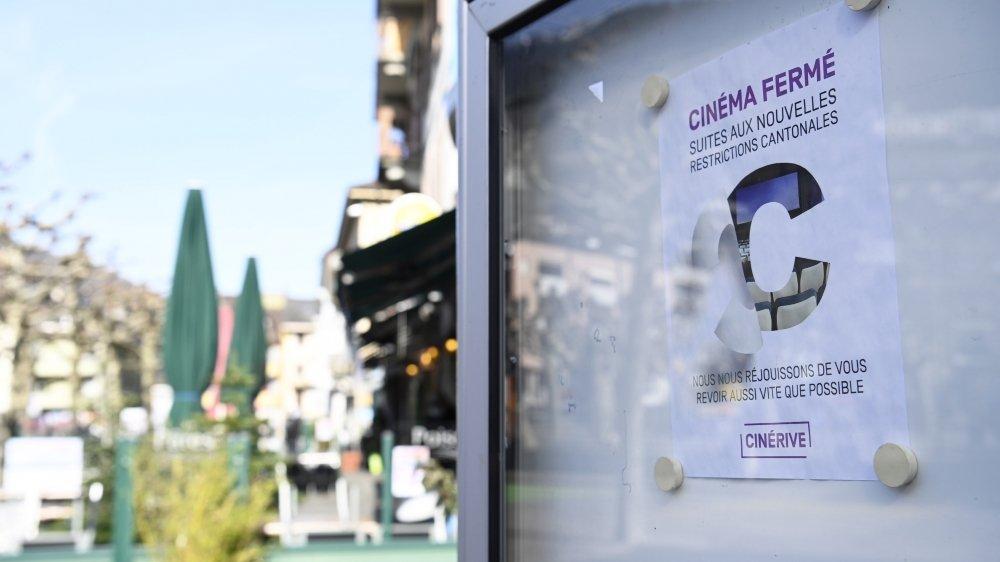 Après six mois de fermeture, les cinémas vont pouvoir rouvrir leurs portes, mais leur situation n'est pas simple pour autant.