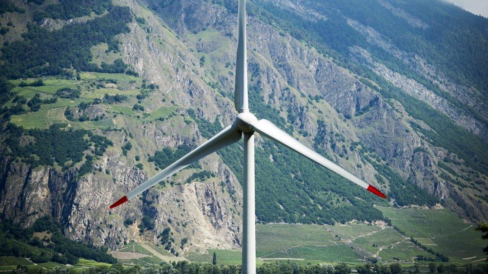 Dans le Bas-Valais, trois projets de parc éolien, éolienne de Charrat sur notre photo, se trouvent devant les tribunaux. La décision positive du TF pour le parc vaudois de Sainte-Croix va-t-elle jouer en leur faveur?