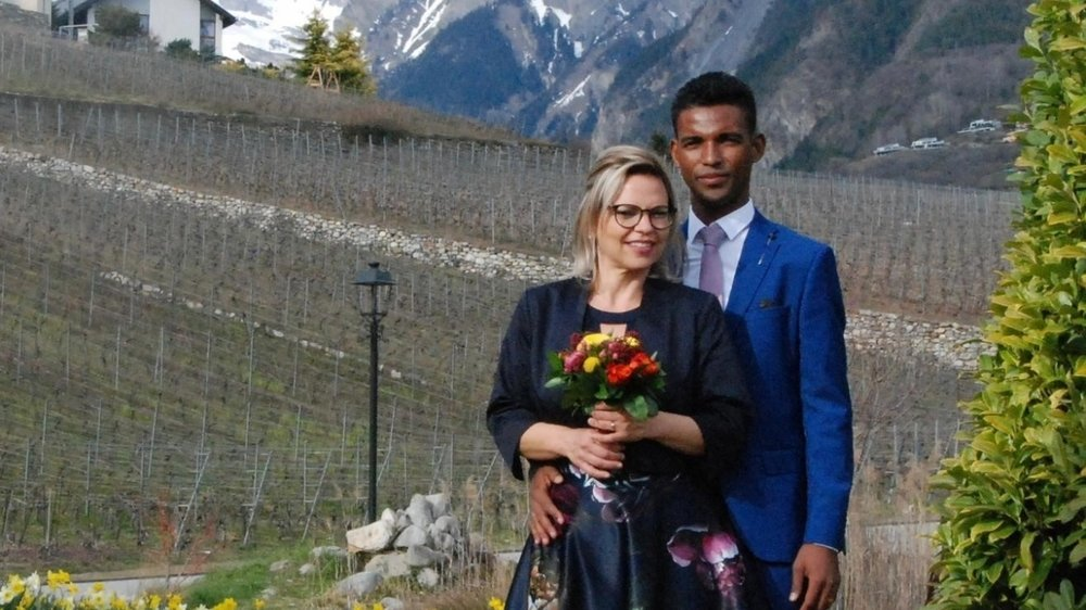 Raphaëlle et Andrian Dessimoz, un couple qui s'est battu pour pouvoir se marier.