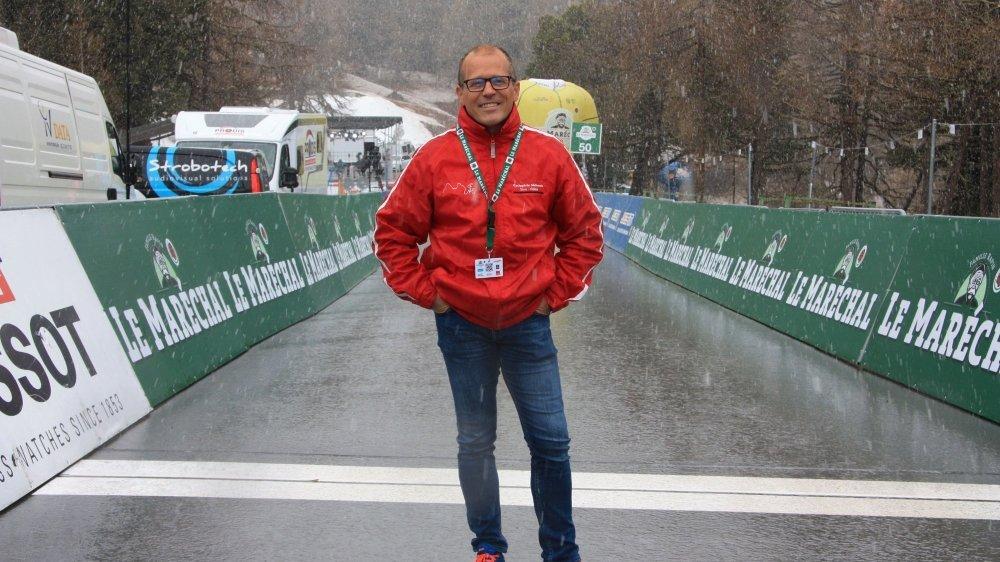 """Michel Rey, un président du comité d'organisation qui a """"transpiré"""" ces derniers jours malgré le froid et la neige."""