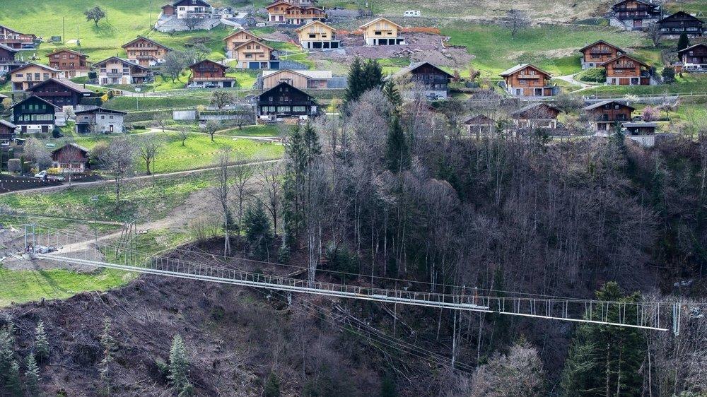 La passerelle reliant Troistorrents à Chenarlier sera ouverte au début de l'été.