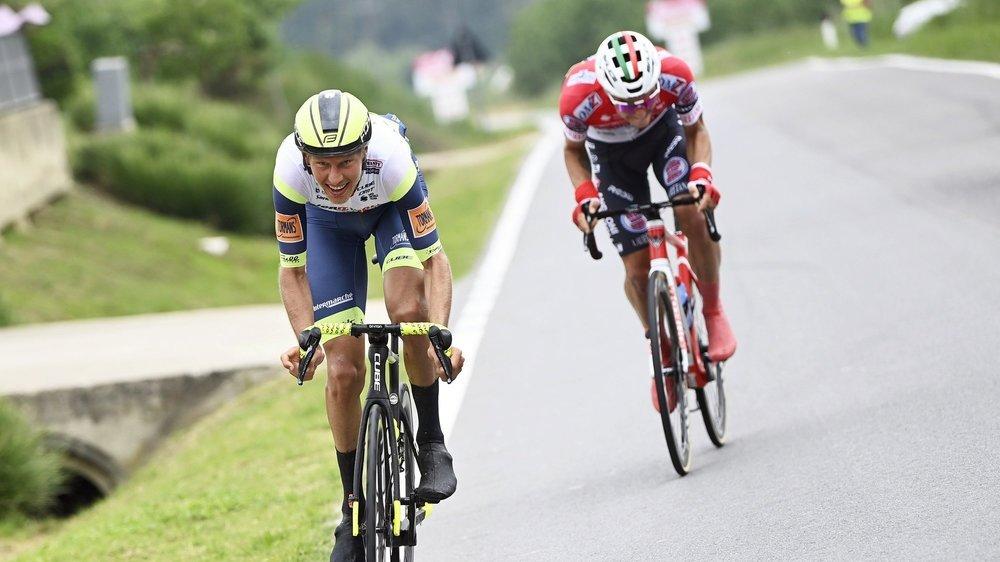 Simon Pellaud est dans la roue de Taco van der Hoorn, le futur vainqueur. Il s'est fait surprendre à 5km de l'arrivée.