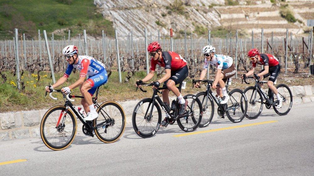 Sébastien Reichenbach emmène ses adversaires dans sa roue. Ceux-ci l'avaient à l'oeil durant toute la course.
