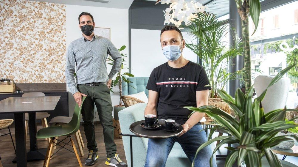 A l'exemple de Romain Robreteau et Damien Gourdon, gérants du restaurant Giorgio à Sion, les restaurateurs valaisans se réjouissent de pouvoir de nouveau accueillir leurs clients à l'intérieur de leurs établissements.