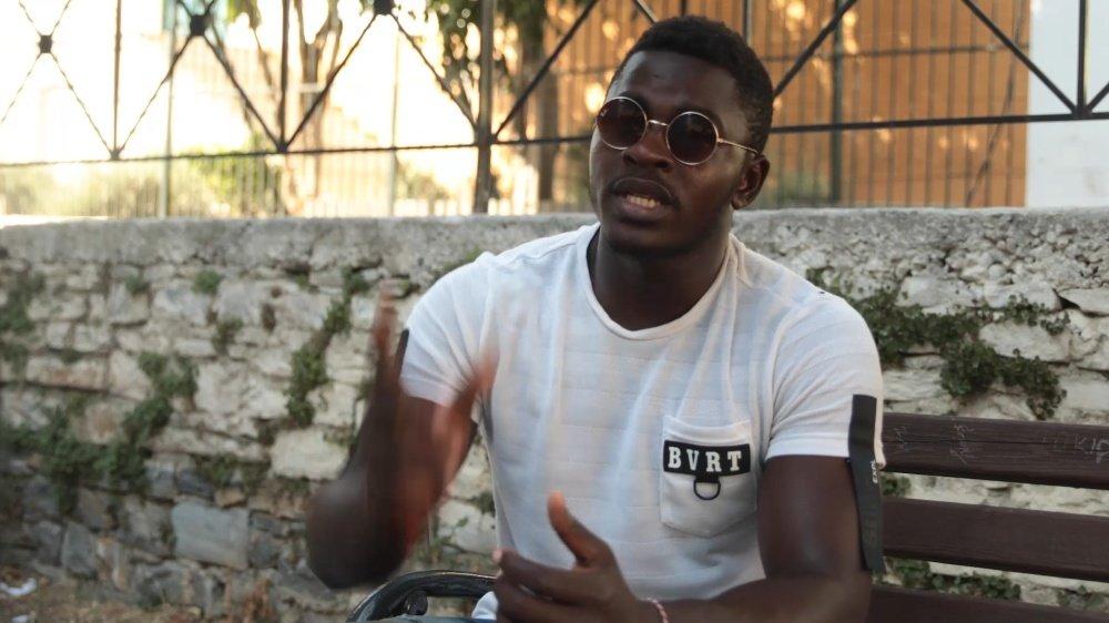 Djeuko Ngouabe Danny Brice,unmigrant camerounais qui vit dans le camp de Samos depuis huit mois, est l'une des personnes qui ont témoigné dans le film.
