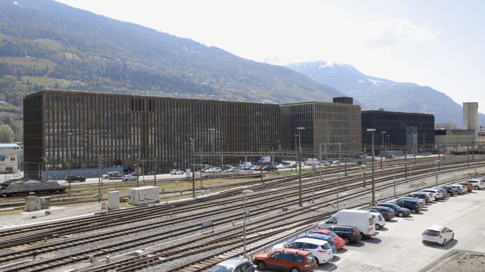 Ces énormes bâtiments hébergent l'EPF Valais-Wallis, la HES-SO et plusieurs start-up.