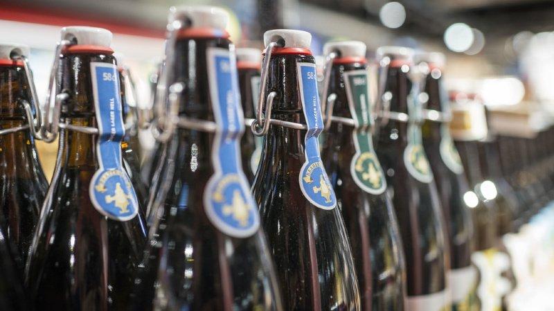 Avec 11,5 litres d'alcool pur bus par habitant et par an, la Suisse a une consommation d'alcool élevée, supérieure à la moyenne des pays de l'OCDE. (illustration)