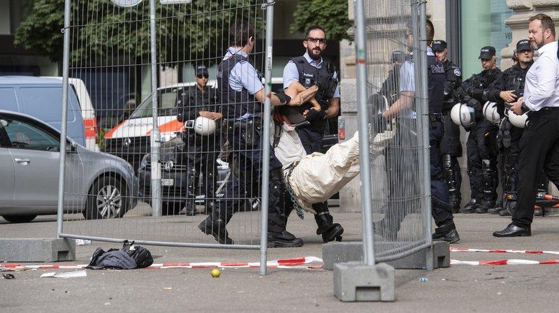 La police avait finalement délogé les activistes.