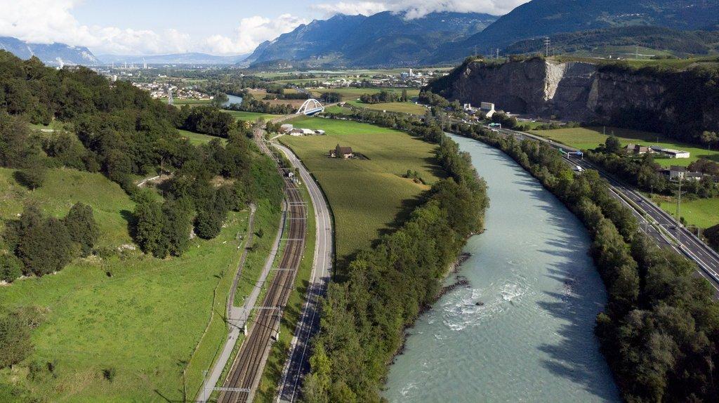 Correction du Rhône: les CFF et le BLS obtiennent l'annulation de plusieurs dispositions adoptées par le Valais
