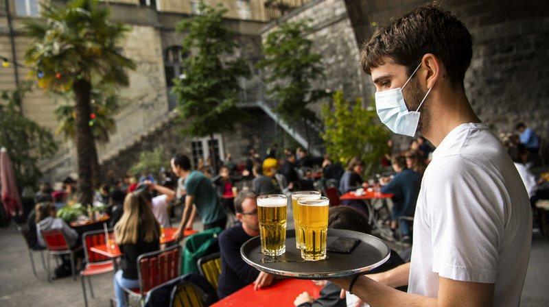 Il est de nouveau possible de boire un verre en terrasse.