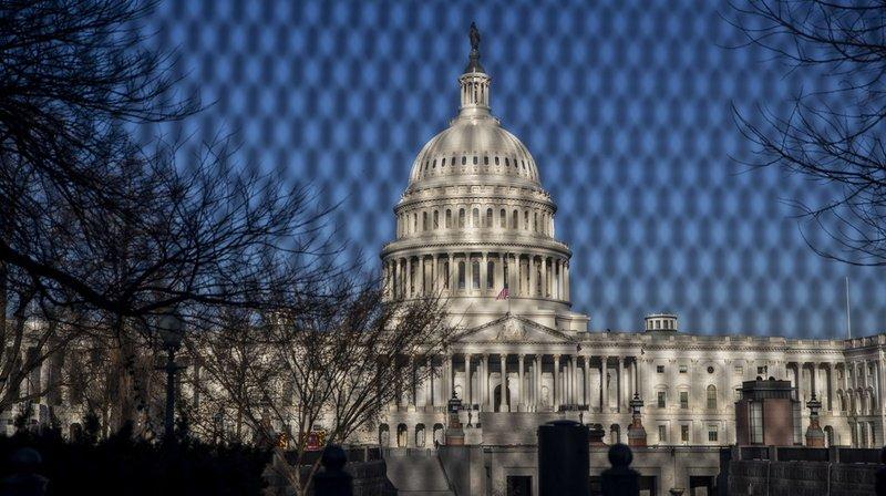 Etats-Unis: un policier mort, le Capitole de nouveau endeuillé
